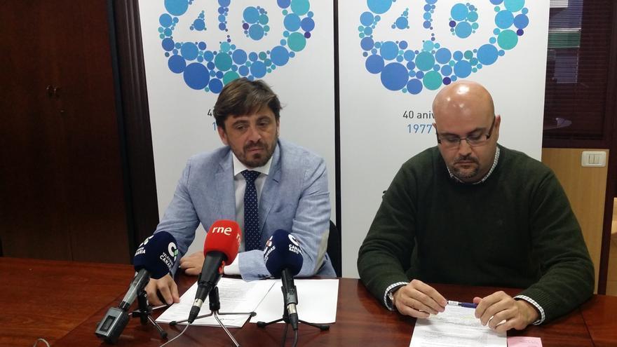 A la izquierda, Jorge Marichal, presidente de Ashotel, y Juan Pablo González, gerente de la patronal hotelera
