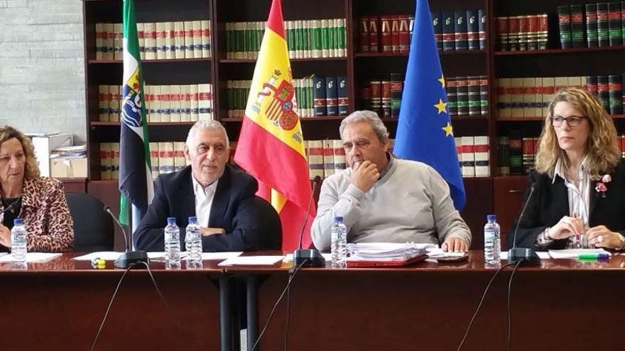 La Mesa Sectorial de Educación ha estado presidida por el secretario general de Educación, Rafael Rodríguez de la Cruz / Junta