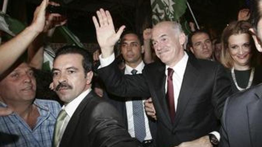 El PASOK logra el 43,67% de los votos con el 52,81% escrutado