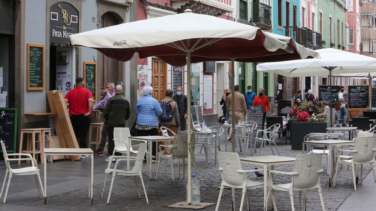 Zona de terrazas en la capital grancanaria. (Alejandro Ramos)