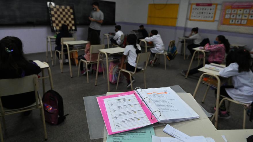 Ante la suba de casos, gremios docentes presionan para suspender la presencialidad en las jurisdicciones más afectadas