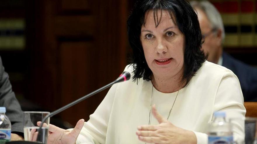 La consejera de Educación del Gobierno de Canarias, Soledad Monzón, comparece hoy en la comisión parlamentaria para informar de la educación infantil de 0 a 3 años y la implantación de la LOMCE, entre otros asuntos. EFE/Cristóbal García