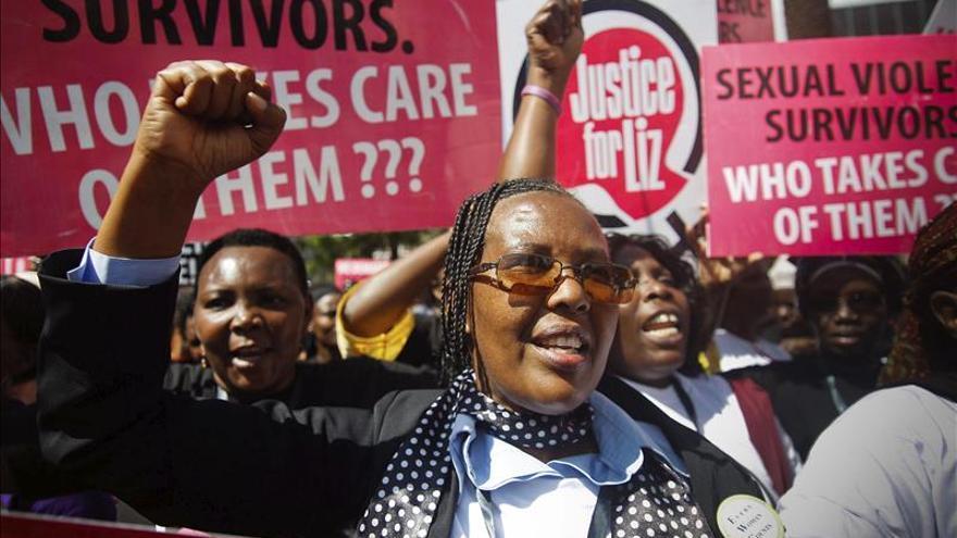 Cientos de personas se manifiestan en Nairobi en contra del asalto sexual