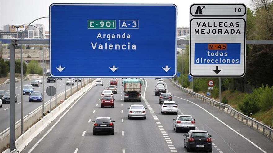 Se complica la salida de Madrid por la A-3 por un accidente que genera 16 Km