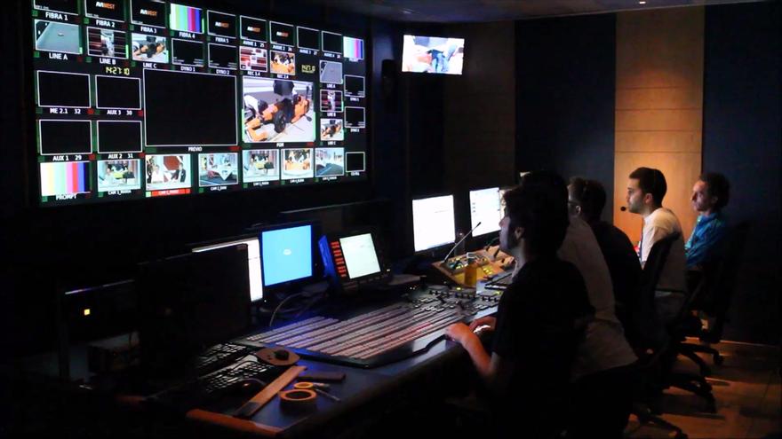 Imagen de archivo de un control de realización de televisión