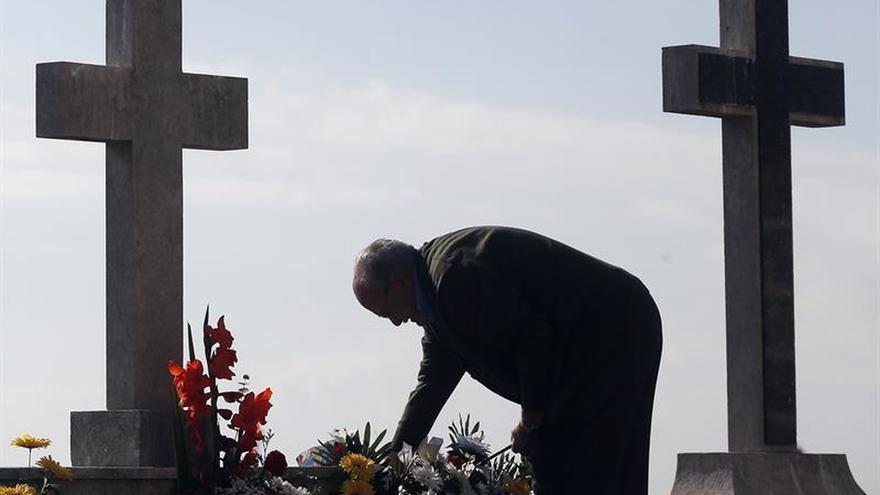 Barcelona quería crear una funeraria municipal que hiciera un 30 % más baratos los entierros