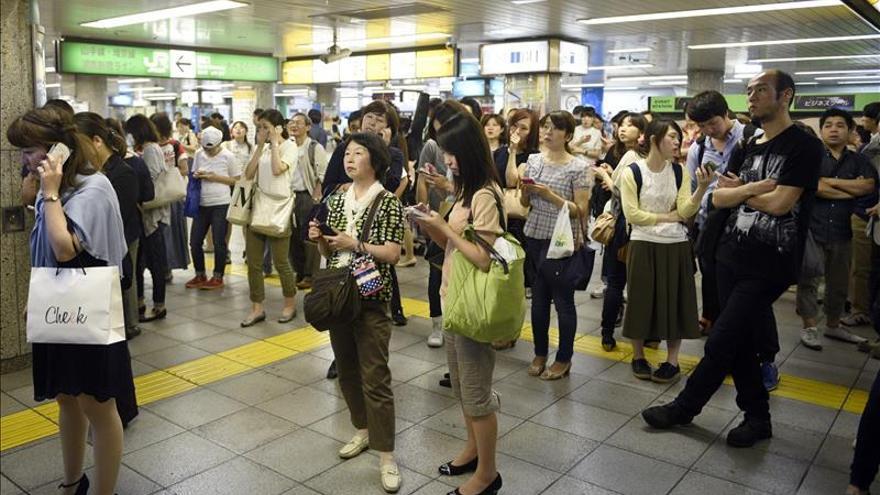 Más de 10 heridos en Japón por el terremoto en alta mar de 8,1 grados