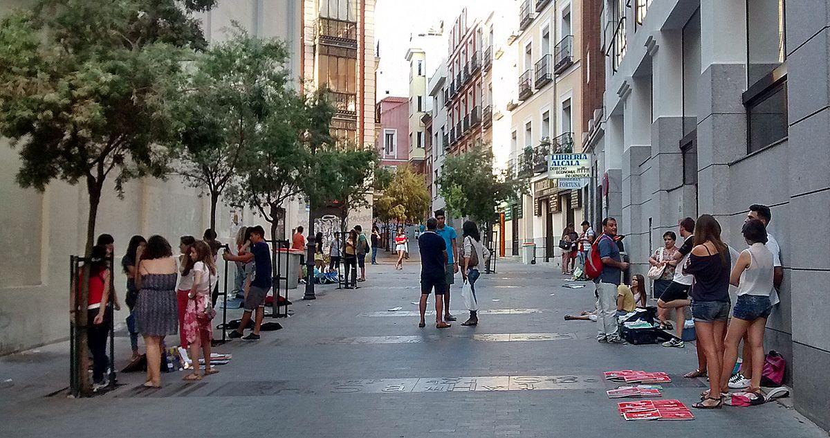 Vendedores de libros de texto en la calle Libreros | SOMOS MALASAÑA
