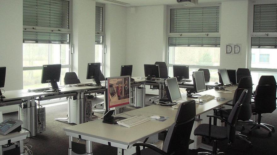 La iniciativa 'Escuela 2.0' del anterior gobierno fomentaba la provisión de ordenadores a los escolares