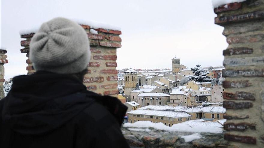 Las nevadas y los vientos costeros ponen a 22 provincias en alerta