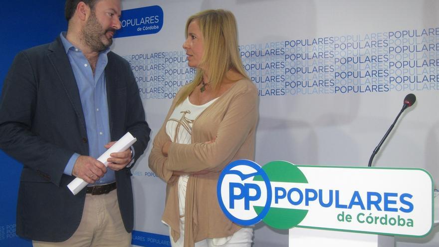 Molina, candidato a presidir el PP de Córdoba, presenta cinco veces más avales que su rival, Rosario Alarcón