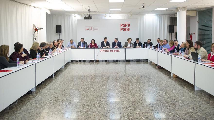Los secretarios generales del PSOE y PSPV, Pedro Sánchez y Ximo Puig, presiden la reunión de trabajo entre ambas direcciones