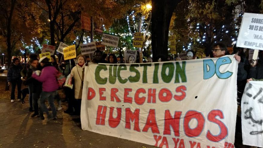 Concentración contra los CIE en Madrid