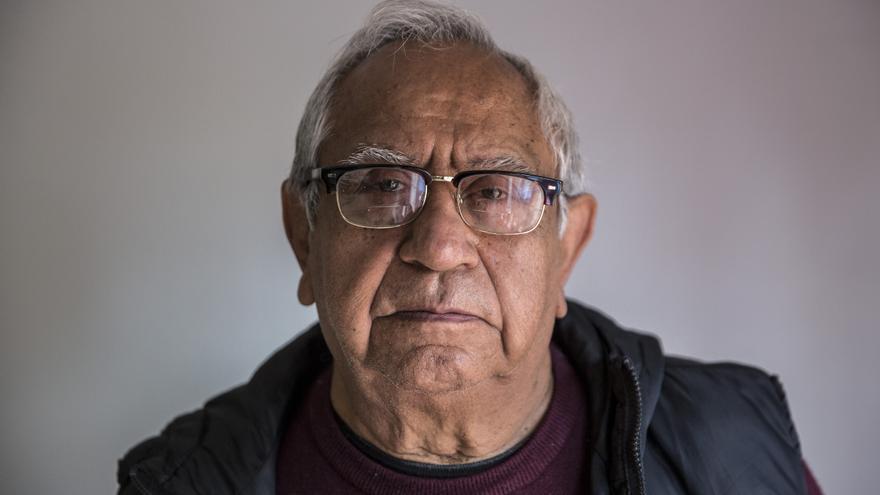Juan (nombre ficticio) no tiene acceso a la sanidad pública gratuita.