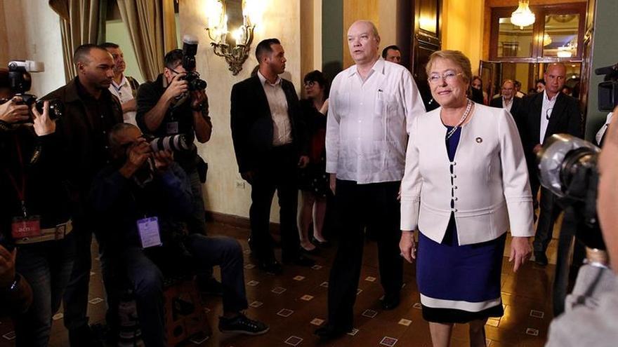 Bachelet espera que el pr ximo gobierno mantenga su l nea for Gobierno exterior