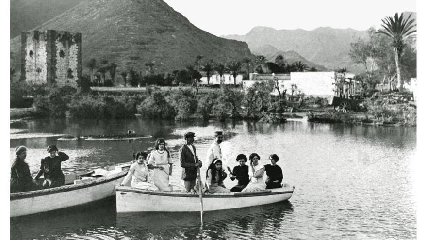 """La conocida como """"Laguna de los Frailes"""", en San Sebastián, a comienzos del siglo XX"""