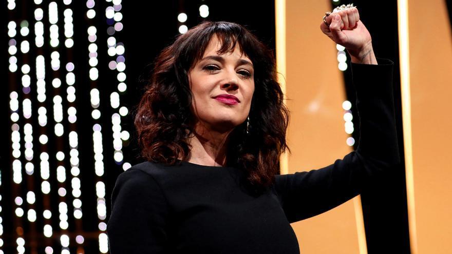Asia Argento perdería su silla como juez en Factor X Italia de confirmarse la acusación de abuso sexual