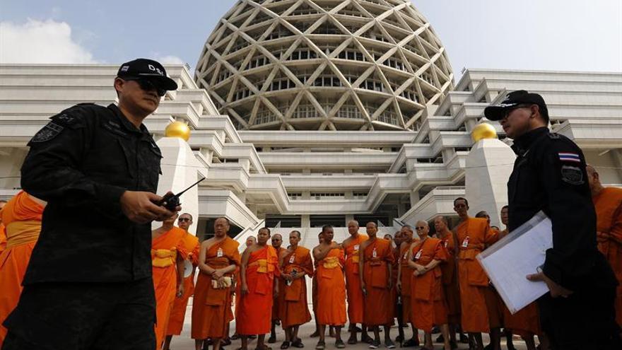Sin noticias del monje prófugo más buscado por la Policía de Tailandia