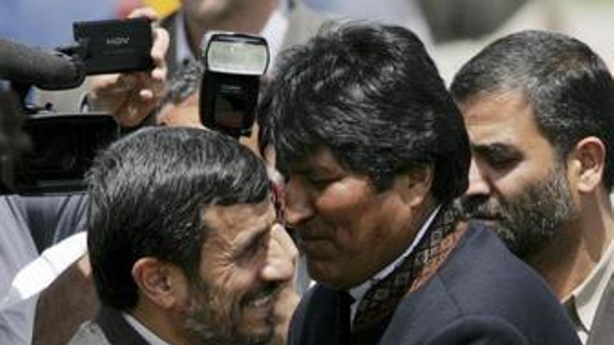 """Ahmadineyad y Morales critican """"el imperialismo"""""""