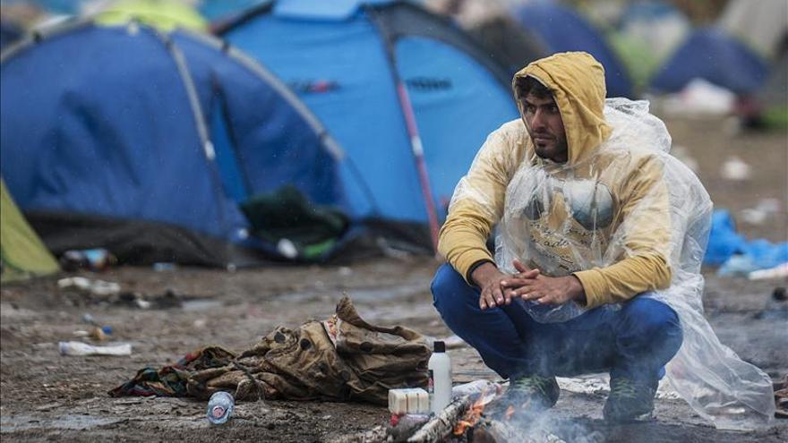 """HRW denuncia las """"inhumanas"""" condiciones en centro de refugiados de Hungría"""