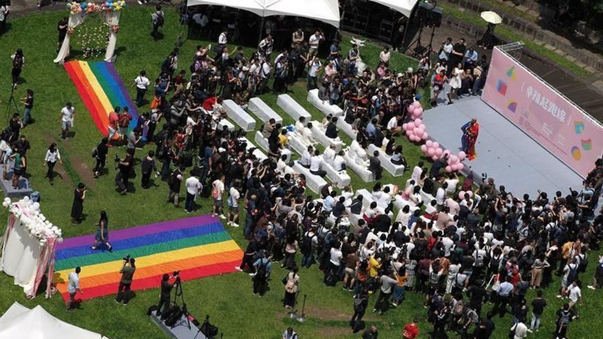 Taiwán celebra los primeros matrimonios homosexuales de toda Asia.