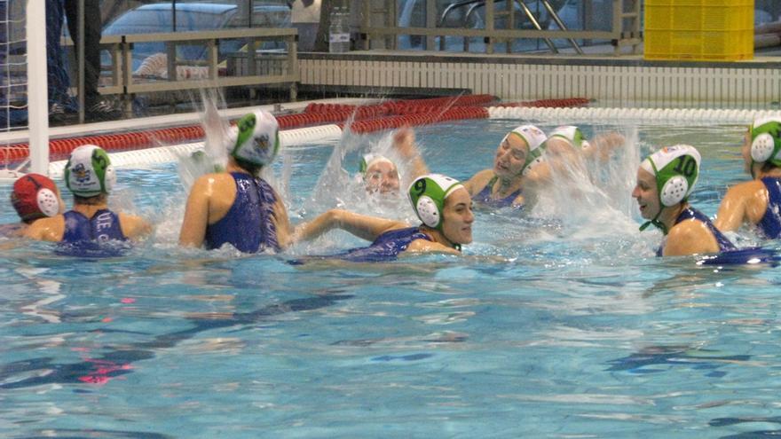 Equipo de waterpolo femenino del UE Horta