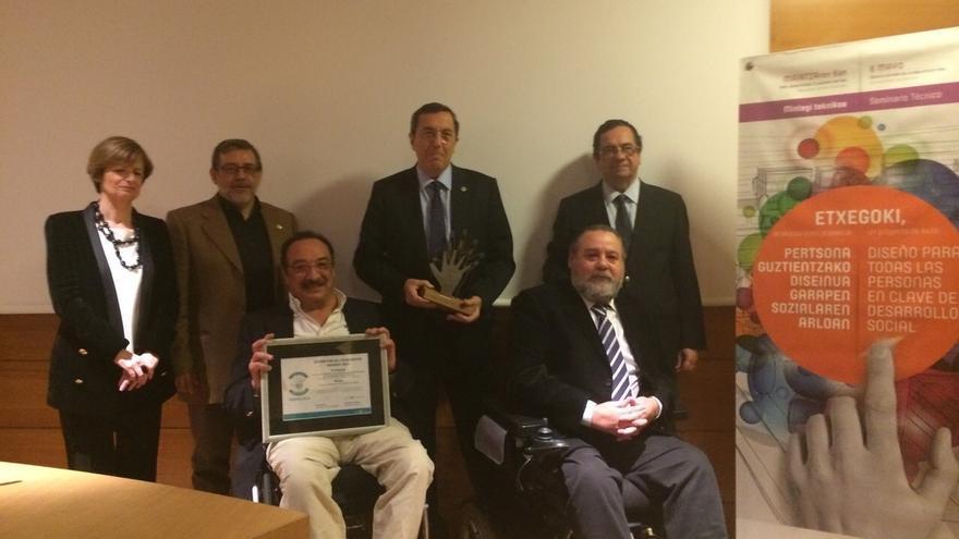 Diputación de Bizkaia recoge el premio al mejor proyecto internacional 'Desing for all 2015' por Etxegoki