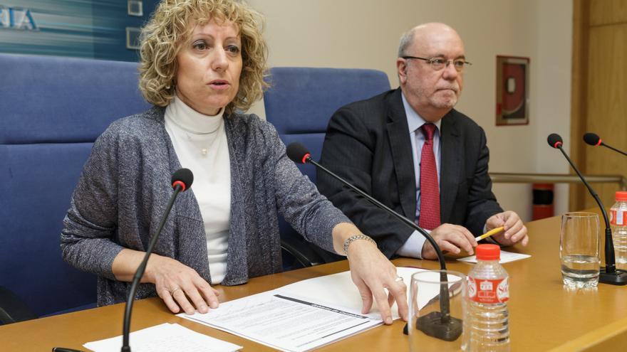 La vicepresidenta ha comparecido, en rueda de prensa, junto al consejero de Economía, Juan José Sota. | Raúl Lucio
