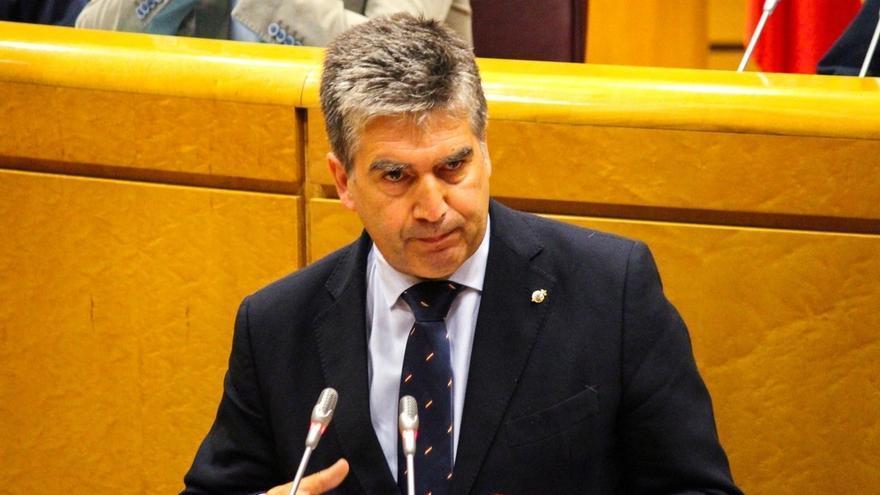"""Cosidó (PP) critica a Sánchez por no comparecer en el Senado, cuando llegan """"miles"""" de inmigrantes y mueren """"cientos"""""""