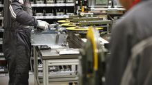 Trabajadores de una fábrica.