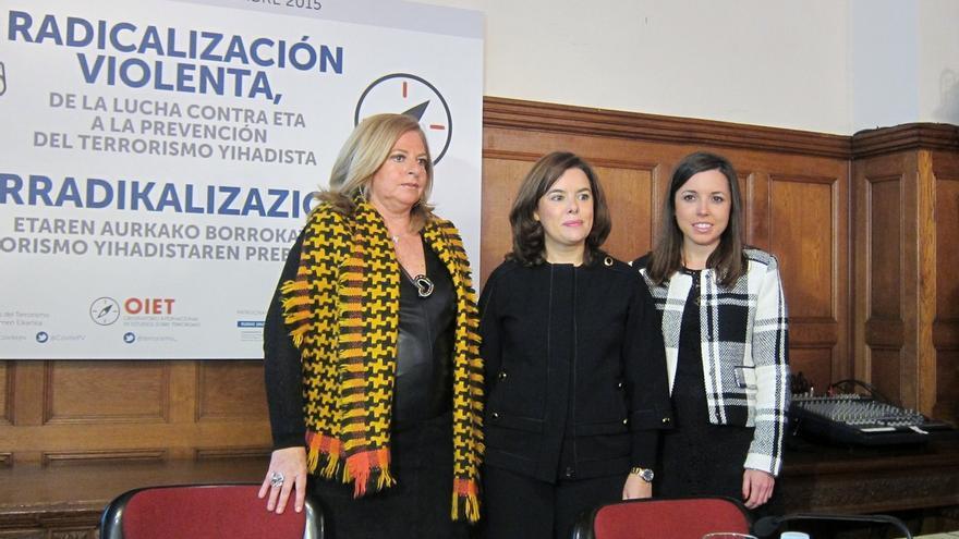 """Saénz de Santamaría afirma que """"donde mejor están Otegi y los suyos es en las cárceles"""""""