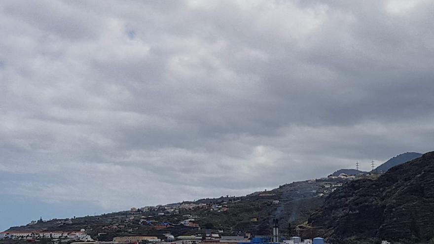 Nublado en la comarca este de La Palma.