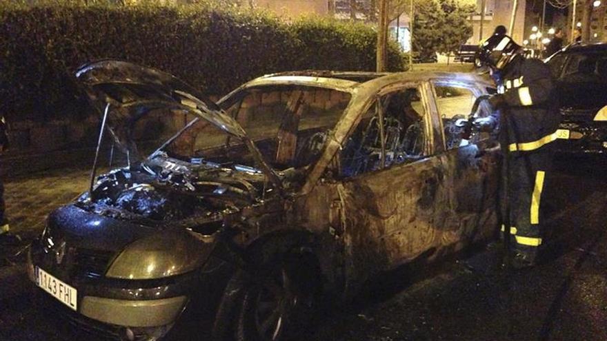 Las denuncias por quema de coches pasan en Canarias de 13 a 137 en tan solo seis años