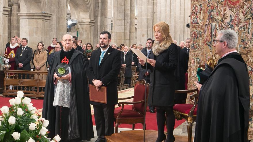 Un instante del ritual, en la Catedral de Santiago