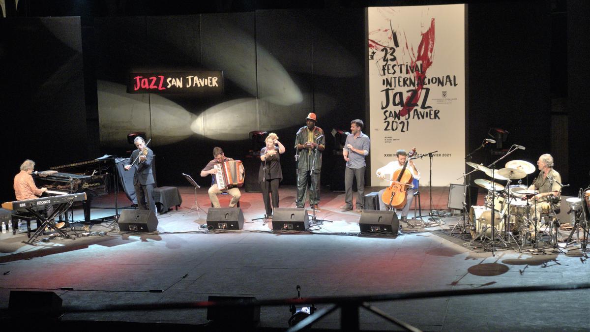 Mathieu Saglio Quartet e Invitados durante su concierto