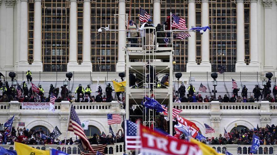 Los republicanos bloquean en el Senado de EE.UU. comisión sobre asalto al Capitolio