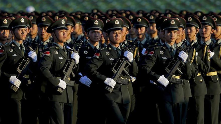 China reducirá el número de sus tropas en 300.000, anuncia Xi Jinping