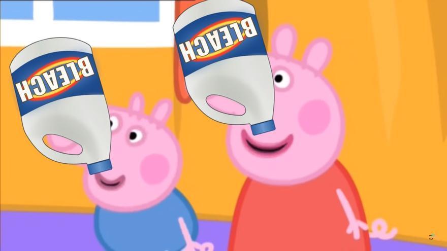Peppa Pig bebiendo lejía