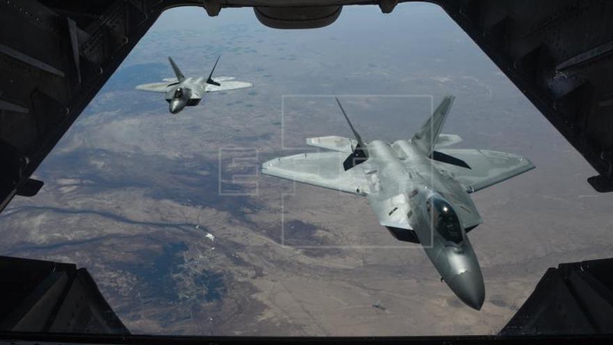 La coalición ataca a las fuerzas pro Al Asad y causa casi medio centenar de bajas