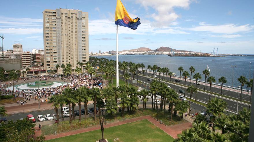 Bandera de 300 metros en Fuente Luminosa, en Las Palmas de Gran Canaria