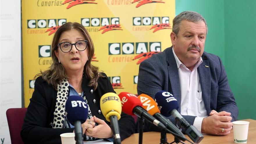 La presidenta de Asaga, Ángela Delgado, y el presidente de COAG, Rafael Hernández