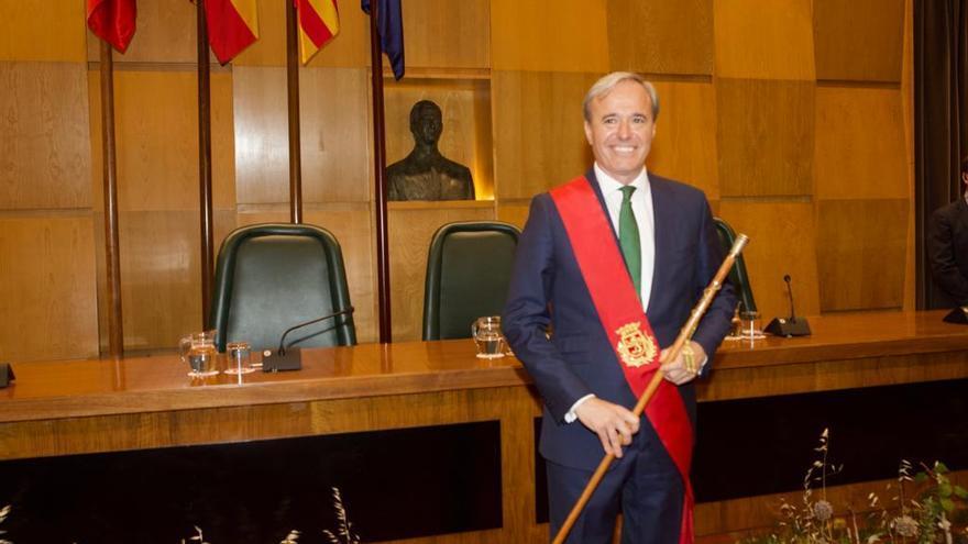 Jorge Azcón (PP), recién investido alcalde de Zaragoza