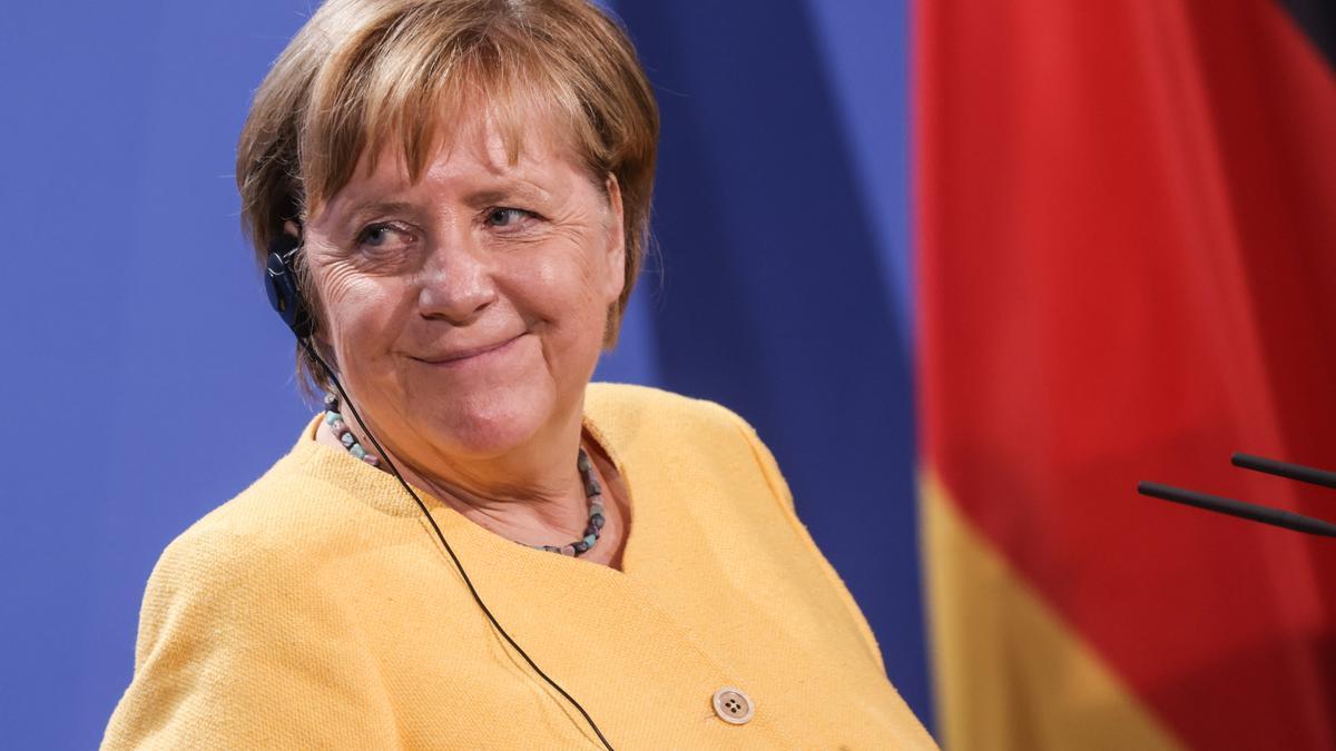 Merkel se convierte en la tercera mujer que recibe el Premio Europeo Carlos V. EFE/EPA/FILIP SINGER/Archivo