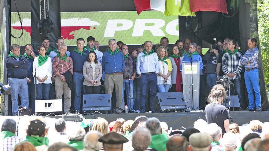 """Revilla llama a los regionalistas a quitarse la """"espinita"""" y ganar las elecciones de 2019"""