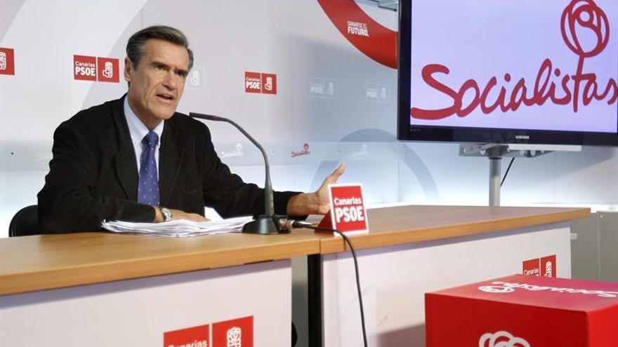 El eurodiputado socialista Juan Fernando López Aguilar, en Santa Cruz de Tenerife. EFE/Cristóbal García