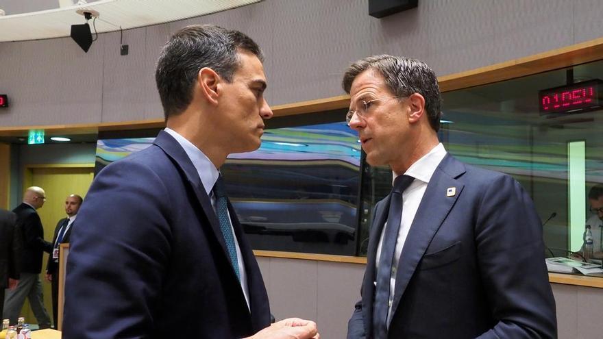 Pedro Sánchez, presidente del Gobierno español, y Mark Rutte,  primer ministro holandés.