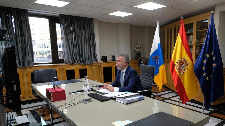 El presidente de Canarias, Ángel Víctor Torres, en una reunión telemática durante el confinamiento
