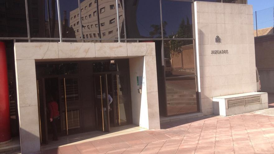 El Juzgado absuelve a la madre acusada de maltrato familiar por dar una bofetada a su hijo