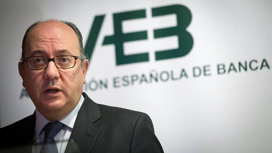 AEB: no hay ningún banco que ofrezca comisiones cero durante toda su vida