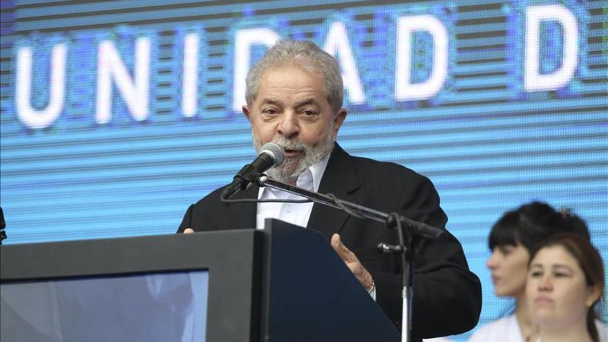 """Policía cree que Lula """"pudo haberse beneficiado"""" de corrupción en Petrobras"""